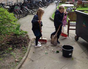 Gårdudvalget og planter i gården